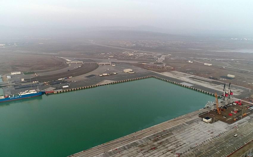 В Бакинском порту будут построены новые терминалы