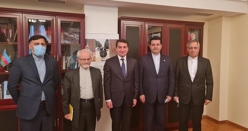 Hikmət Hacıyev İranın xarici işlər nazirinin müavini ilə görüşüb