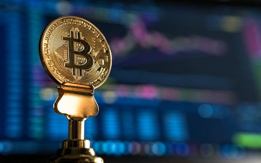 Bitcoin jumps above $50,000