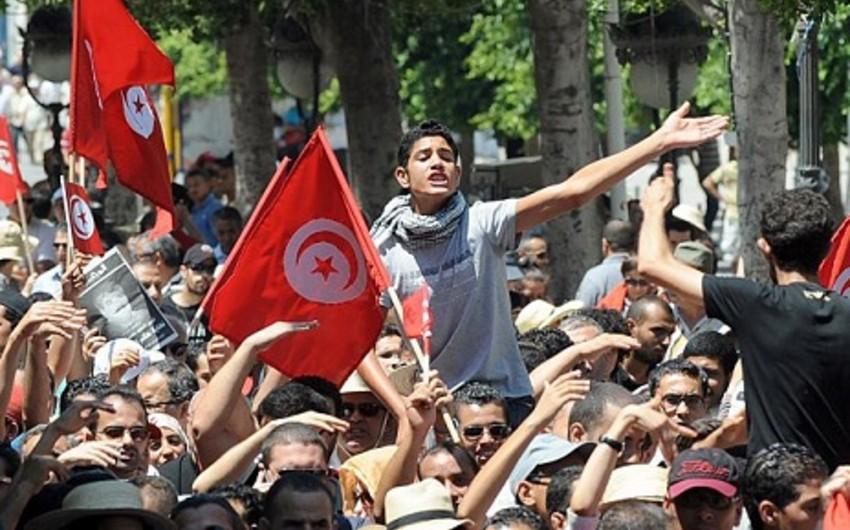 Tunisdə 400-dən çox nümayişçi həbs olunub