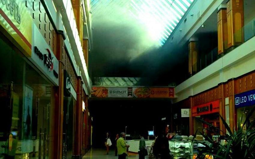 Moskvada ticarət mərkəzində yanğın nəticəsində 18 nəfər xəsarət alıb - VİDEO