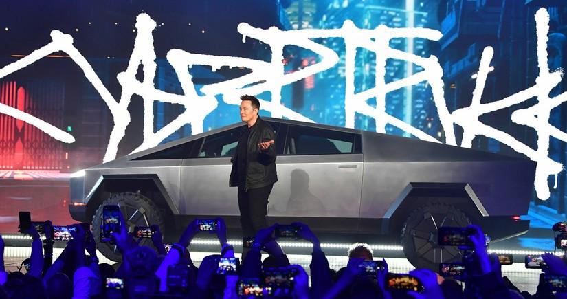 Tesla elektrikli pikap istehsalını da təxirə salıb