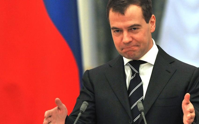 Medvedev: Suriyada hakimiyyət dəyişikliyi milli barışıq əsasında legitim yolla baş verə bilər