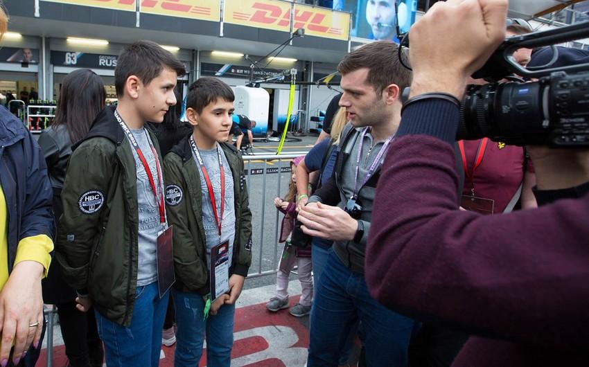 Məcburi köçkün uşaqları Formula 1 ilə tanış olublar