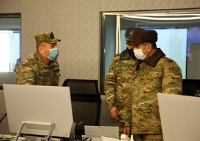Azerbaijani defense minister visits Air Force Combined Command Post