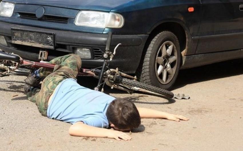 Cəlilabad rayonunda 7 yaşlı uşağı avtomobil vurub