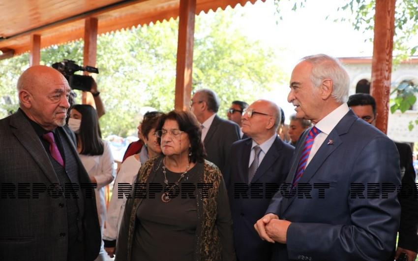 Деятели культуры Азербайджана посетили Дом-музей Бюльбюля