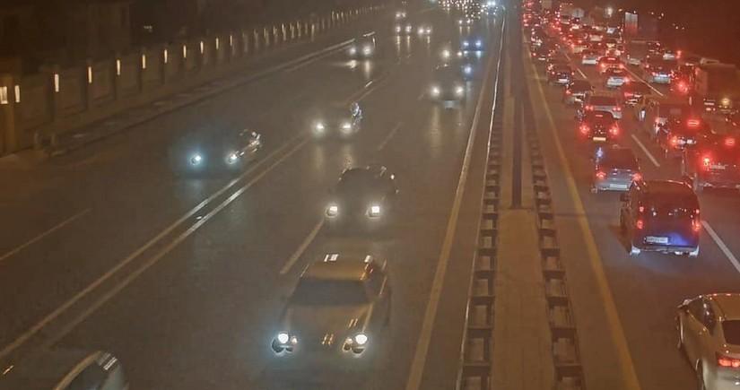 В Баку на аэропортовской трассе произошло ДТП