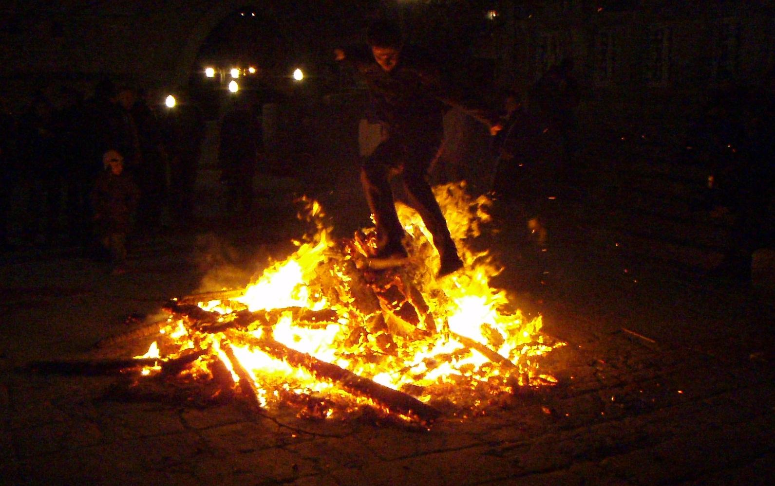 Azerbaijan celebrates Last Tuesday before Novruz