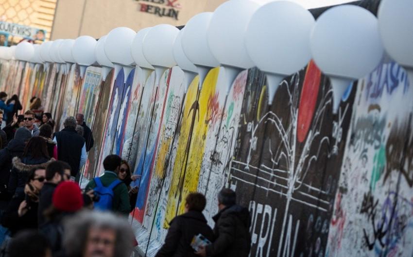 Almaniya paytaxtında Berlin divarının uçurulmasının 25 illiyi qeyd olunacaq