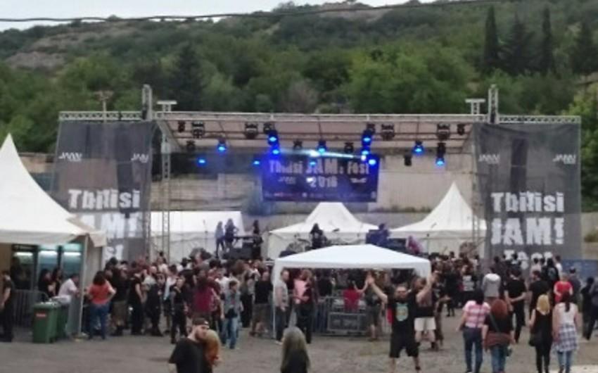 Keşişlər Tbilisidə keçirilən beynəlxalq rok konsertini yarımçıq qoyublar