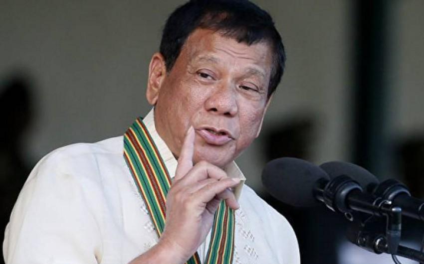 Duterte names his potential successors