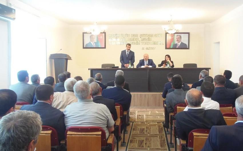 """Yardımlıda """"Dünyəvi dövlətdə din: Azərbaycan modeli"""" mövzusunda seminar keçirilib"""