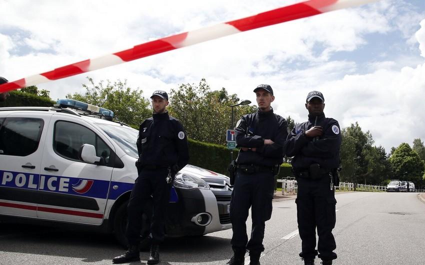 Parisdə atışma olub, bir nəfər ölüb