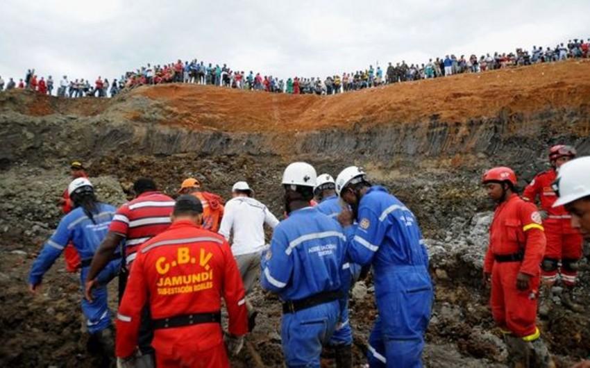 Tanzaniyada qızıl mədəni uçub, 14 nəfər uçqun altında qalıb