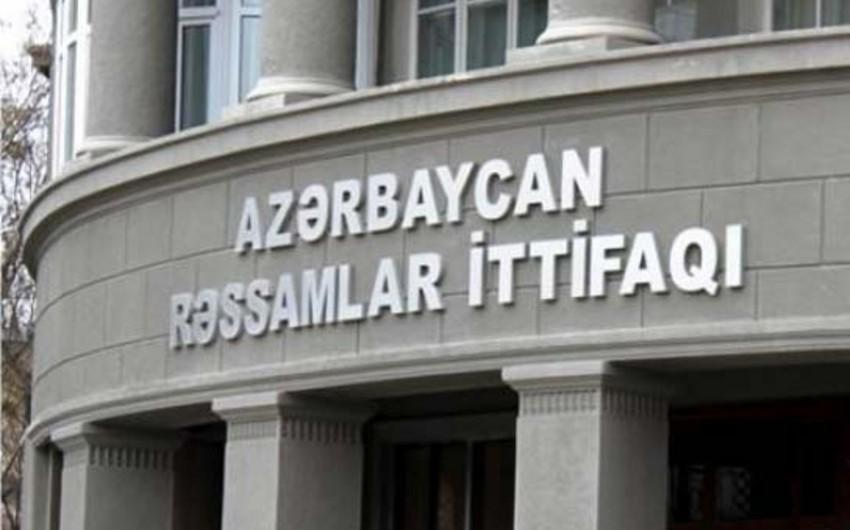 Bərpaçı rəssam Gülşən Hacıyevanın fərdi sərgisi açılıb