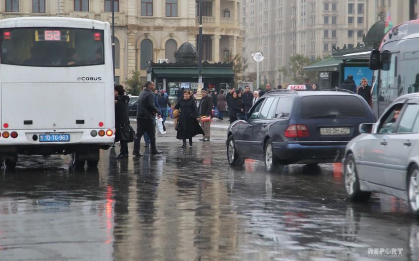 Tanınmış ekspert yağışla bağlı sürücülərə xəbərdarlıq edib