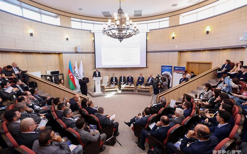 """Bakıda """"Xəzər və Mərkəzi Asiya regionunda enerji sektorunda qlobal dəyişikliklərin təsiri"""" mövzusunda tədbir keçirilir"""