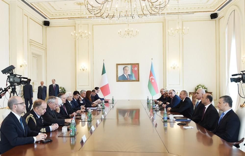 Состоялась встреча в расширенном составе президентов Азербайджана и Италии