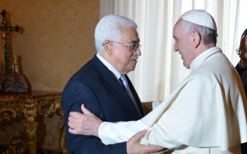 Roma Papası Vatikanda Mahmud Abbasla görüşüb