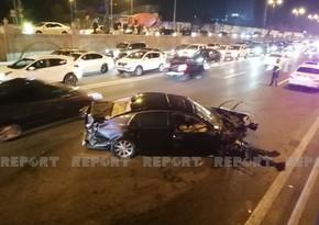 Bakıda üç avtomobil toqquşub, üç nəfər yaralanıb - VİDEO - YENİLƏNİB-3