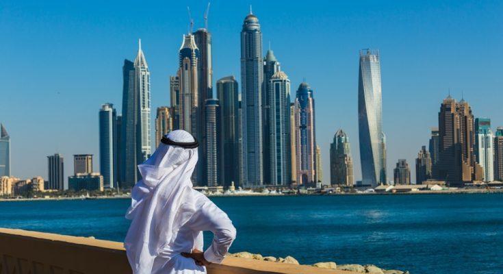 ОАЭ приостанавливают выдачу любых виз