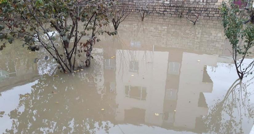 Xaçmazda güclü yağış fəsadlar törədib, 15 kəndə elektrik enerjisinin verilişi dayandırılıb