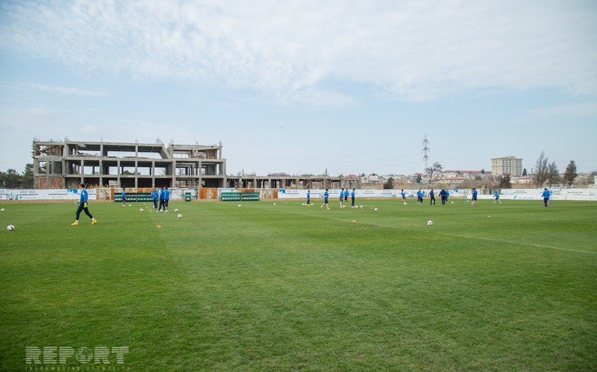 Futbol üzrə Azərbaycan milli komandası Malta ilə oyuna hazırlaşır - FOTOSESSİYA