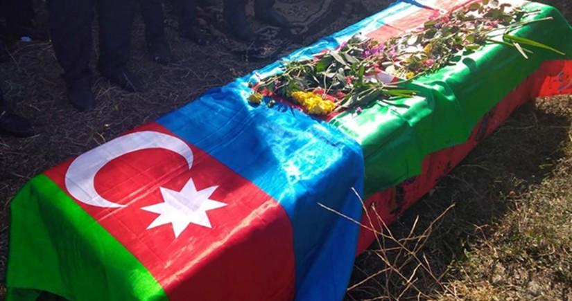 Azerbaijani serviceman injured in road accident in Shusha dies