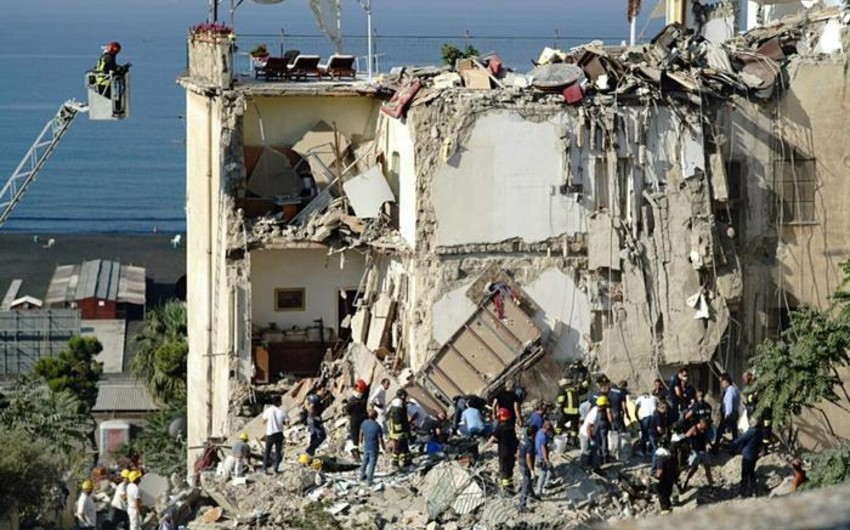 İtaliyanın cənubunda bina çöküb, ailələr dağıntılar altında qalıb