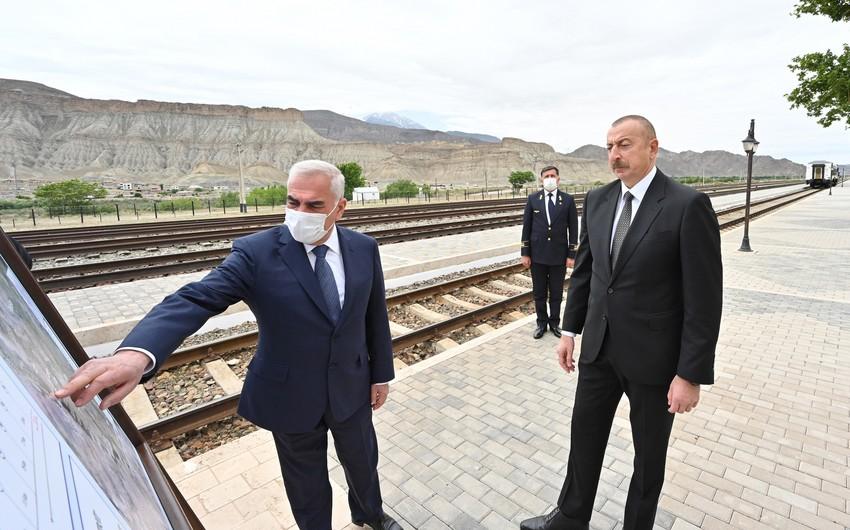 İlham Əliyev Ordubad dəmir yolu stansiyası ilə tanış olub - YENİLƏNİB