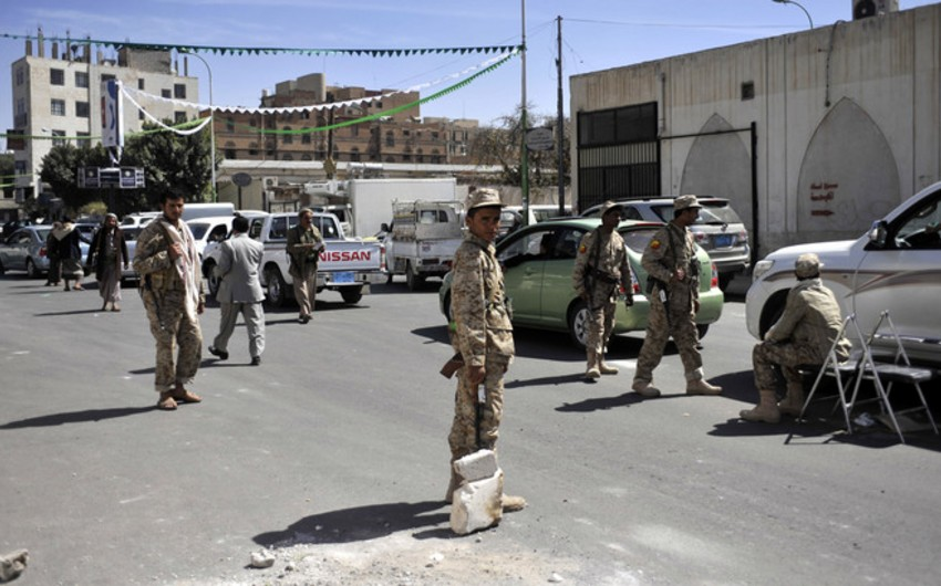 Militants seized two towns in southern Yemen