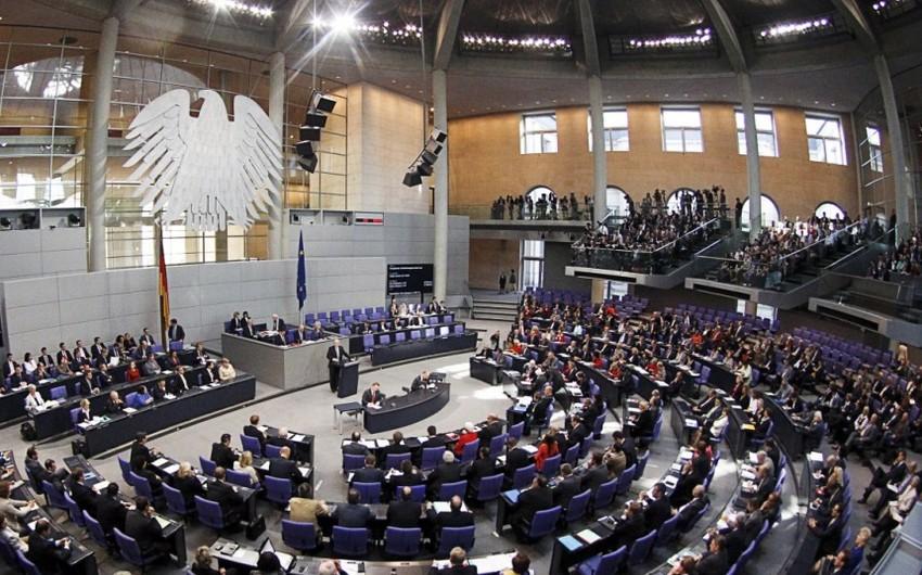 """Almaniya parlamenti qondarma """"erməni soyqırımı"""" ilə bağlı layihənin müzakirəsini təxirə salıb"""