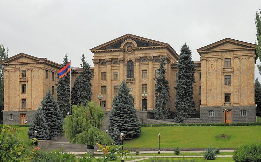 Ermənistan hökuməti ilə müxalifət arasında danışıqlar aprelin 25-də keçiriləcək