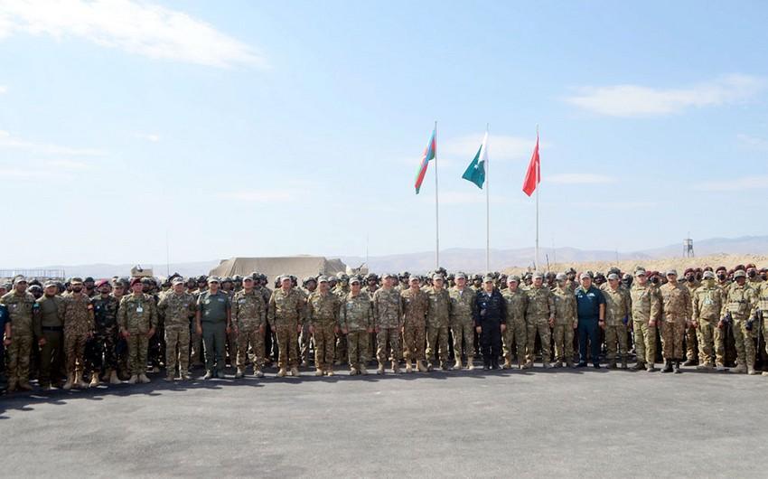 Генералы Азербайджана, Турции и Пакистана понаблюдали за учениями Три брата - 2021