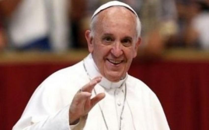 """Roma papası """"Instagram""""da qeydiyyatdan keçib"""