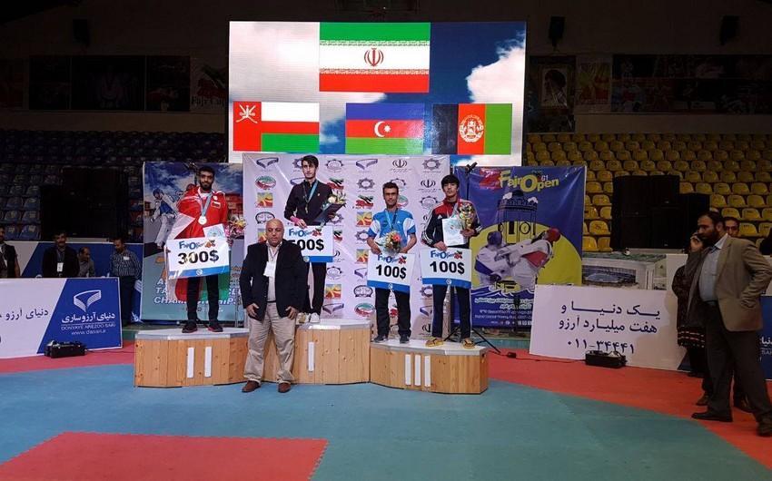 Azərbaycan taekvondoçuları İranda 2 medal qazanıblar