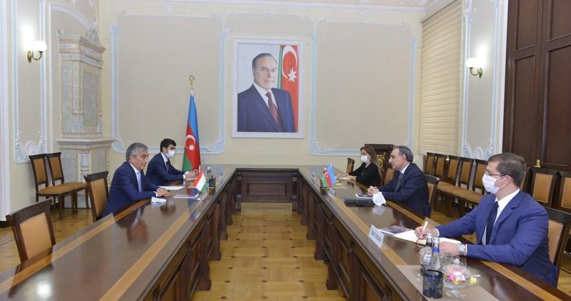 Генпрокурор Азербайджана встретился с послом Таджикистана