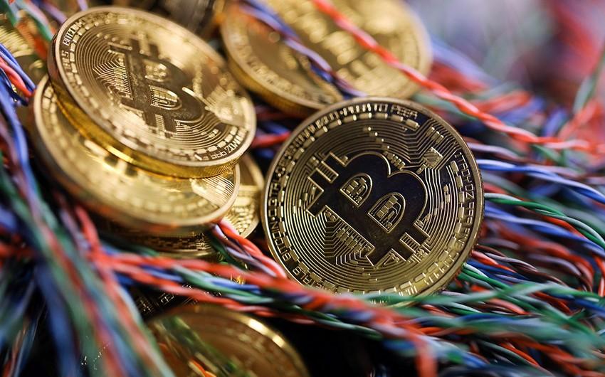 Bitkoin 5%-dən çox ucuzlaşıb