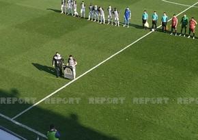 Neftçinin prezidenti Emin Mahmudova oyundan əvvəl hədiyyə təqdim etdi