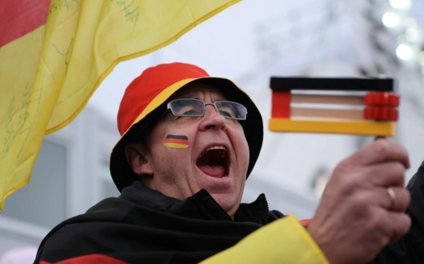 В Германии в акции против антиисламистов приняли участие 100 тыс. человек