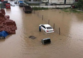 В Турции проливные дожди вызвали наводнение