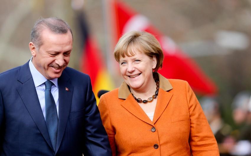 Ərdoğanla və Merkel arasında telefon danışığı olub