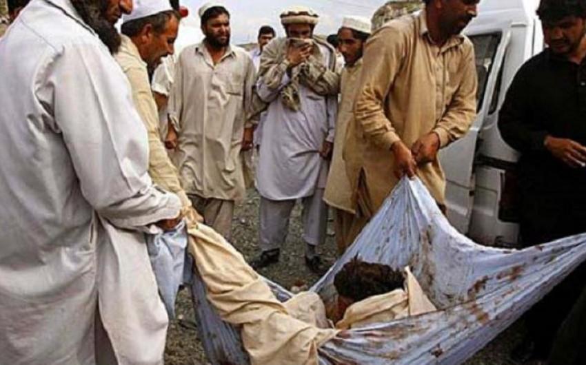 Əfqanıstanda raket toyun keçirildiyi binaya düşüb, 26 nəfər ölüb