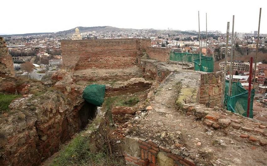 Названа дата завершения реставрации крепости Нарикала в Тбилиси