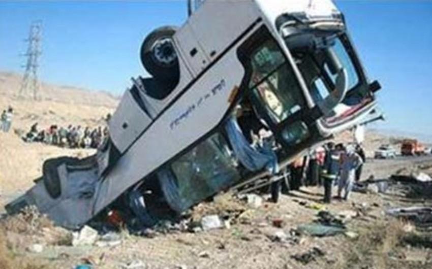 В Иране перевернулся автобус, погибли 11 человек