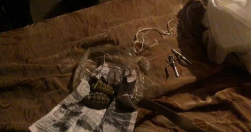 Cəlilabad sakinlərindən silah-sursat və narkotik aşkarlandı