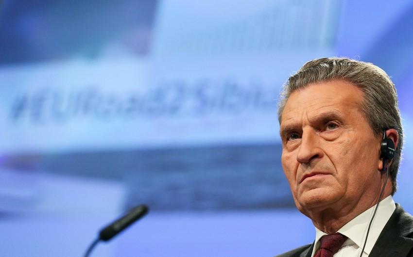 Гюнтер Оттингер: ЕС готов помочь Азербайджану в диверсификации своей экономики