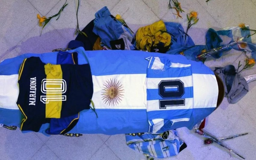 Maradona dəfn edildi