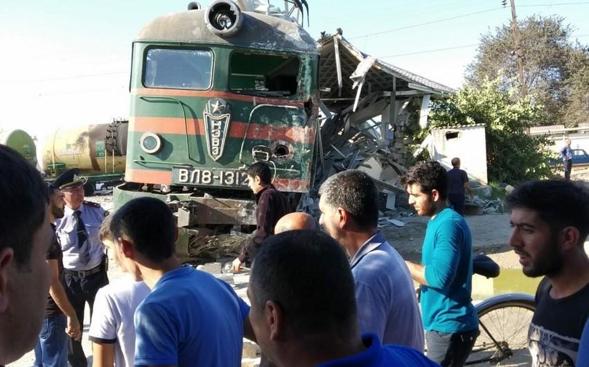 Binədə avtobusla qatarın toqquşması nəticəsində yaralananların son durumu açıqlanıb